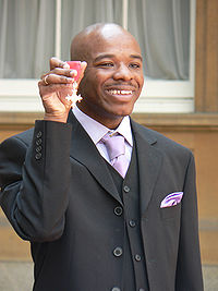 200px-Stephen_Wiltshire_holding_MBE